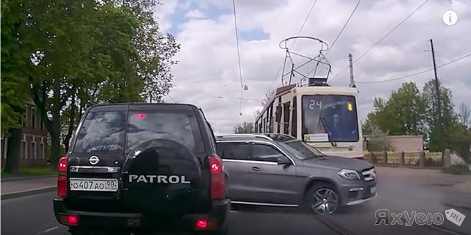 Ultimate IDIOT FUNNY DRIVERS
